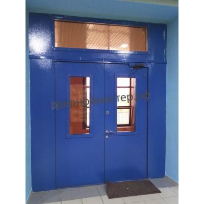 Двери с окном 2