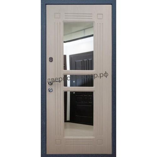 Белая входная дверь с зеркалом для квартиры