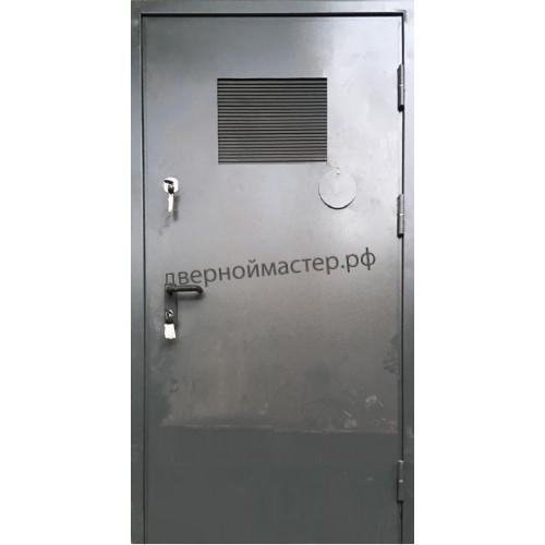 Дверь с вентиляционными решетками