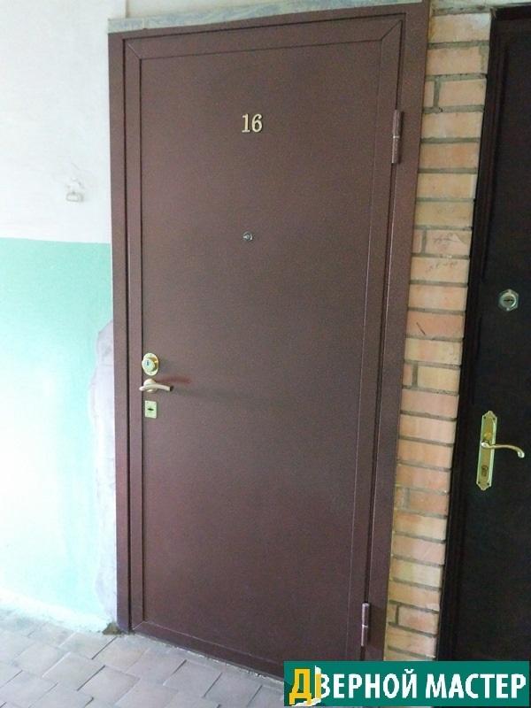 Металлический дверь для квартиры по выгодной цене купить в компании Дверной Мастер