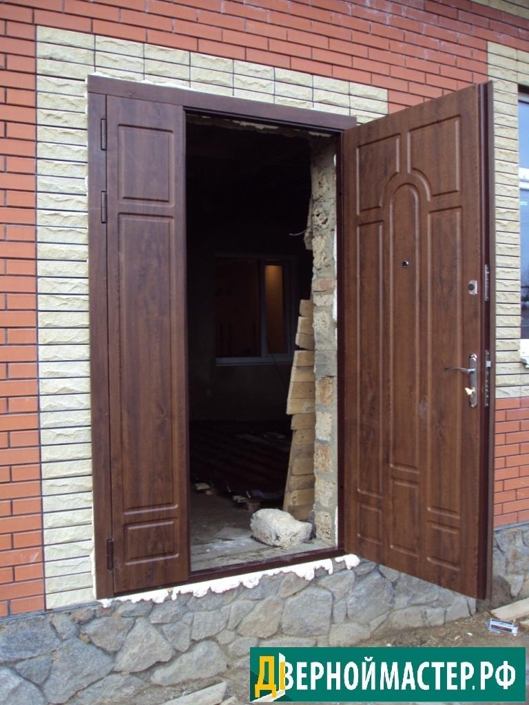 Утепленная нестандартная дверь металлическая в частный дом, купить в Москве выгодно.