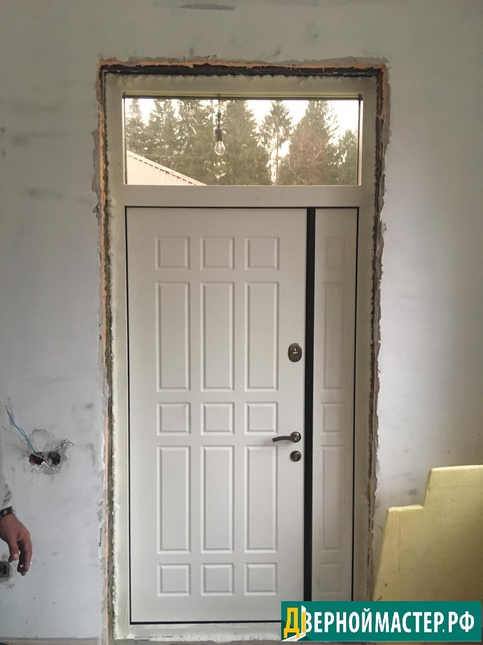 Вид изнутри нестандартной двери с отделкой белым мдф заказать в Москве