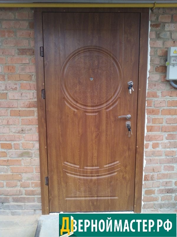 Утепленные входные двери для коттеджа в ассортименте под пленкой ПВХ