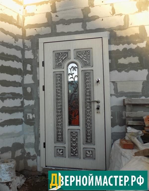 Купить дверь в коттедж в Москве выгодно