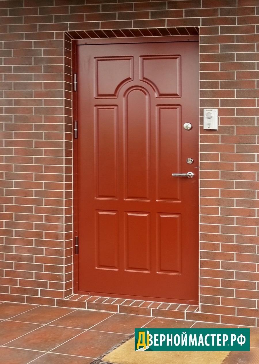 Входная дверь в коттедж с влагостойким МДФ оригинального дизайна