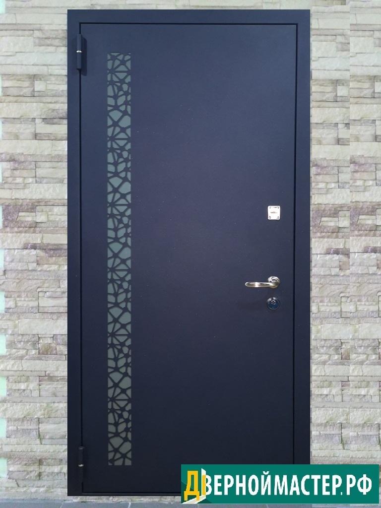 Установка металлических дверей в квартиру эксклюзивного качества.