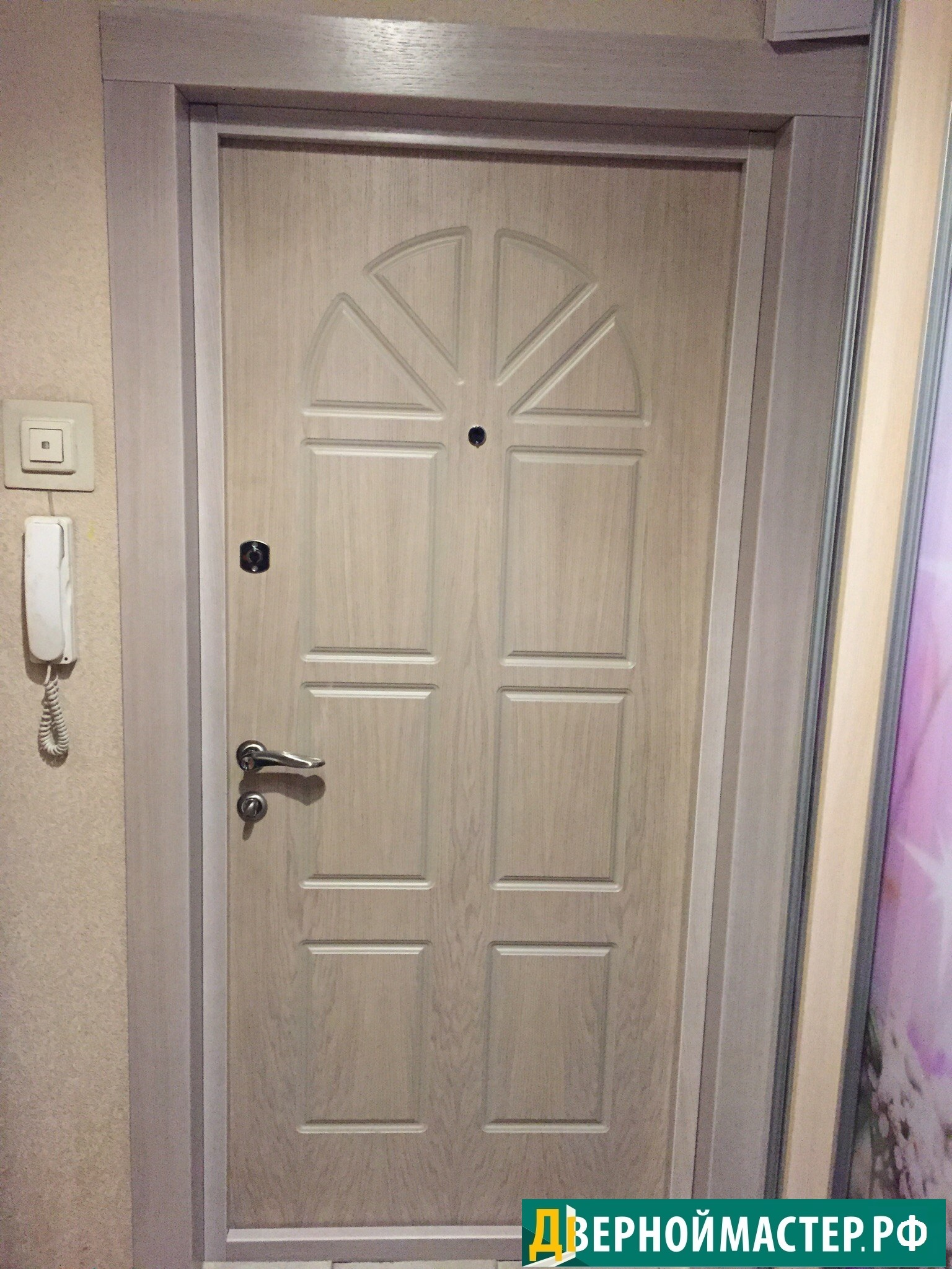 Купить хорошую входную дверь в квартиру по выгодной цене.