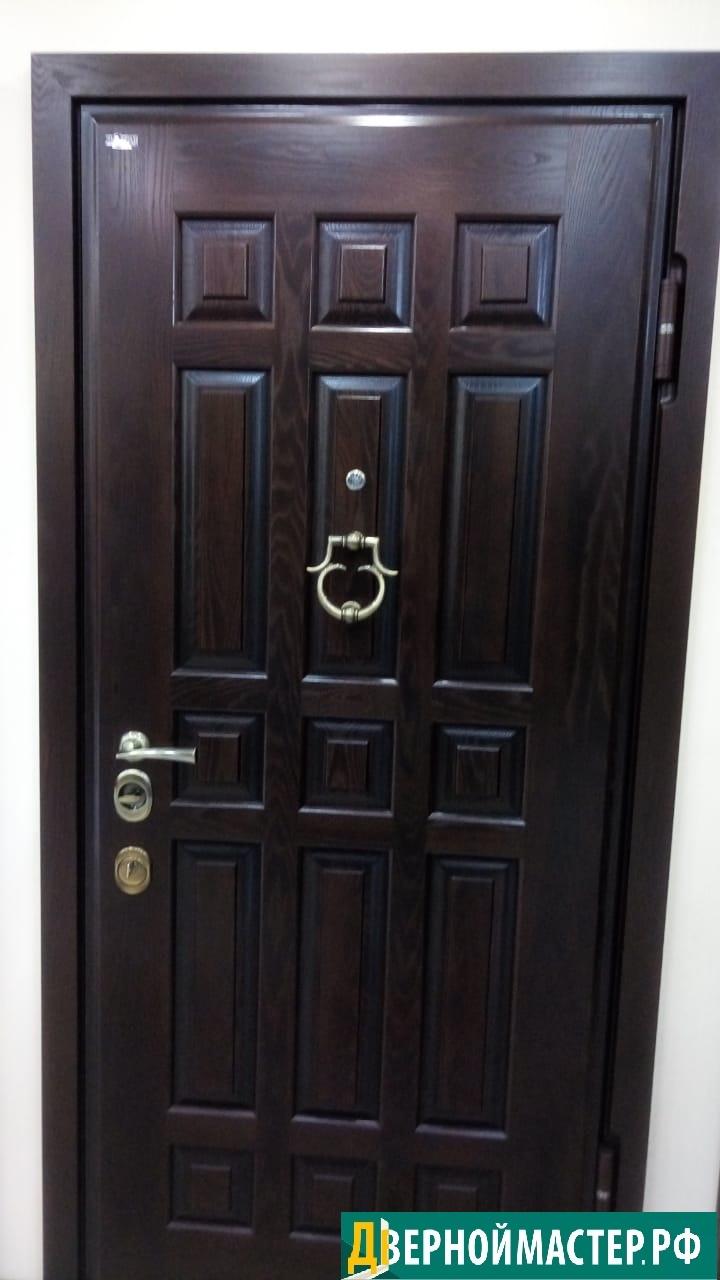 Металлические входные двери в квартиру железные с филенчатые с МДФ (похожа на массив дуба)
