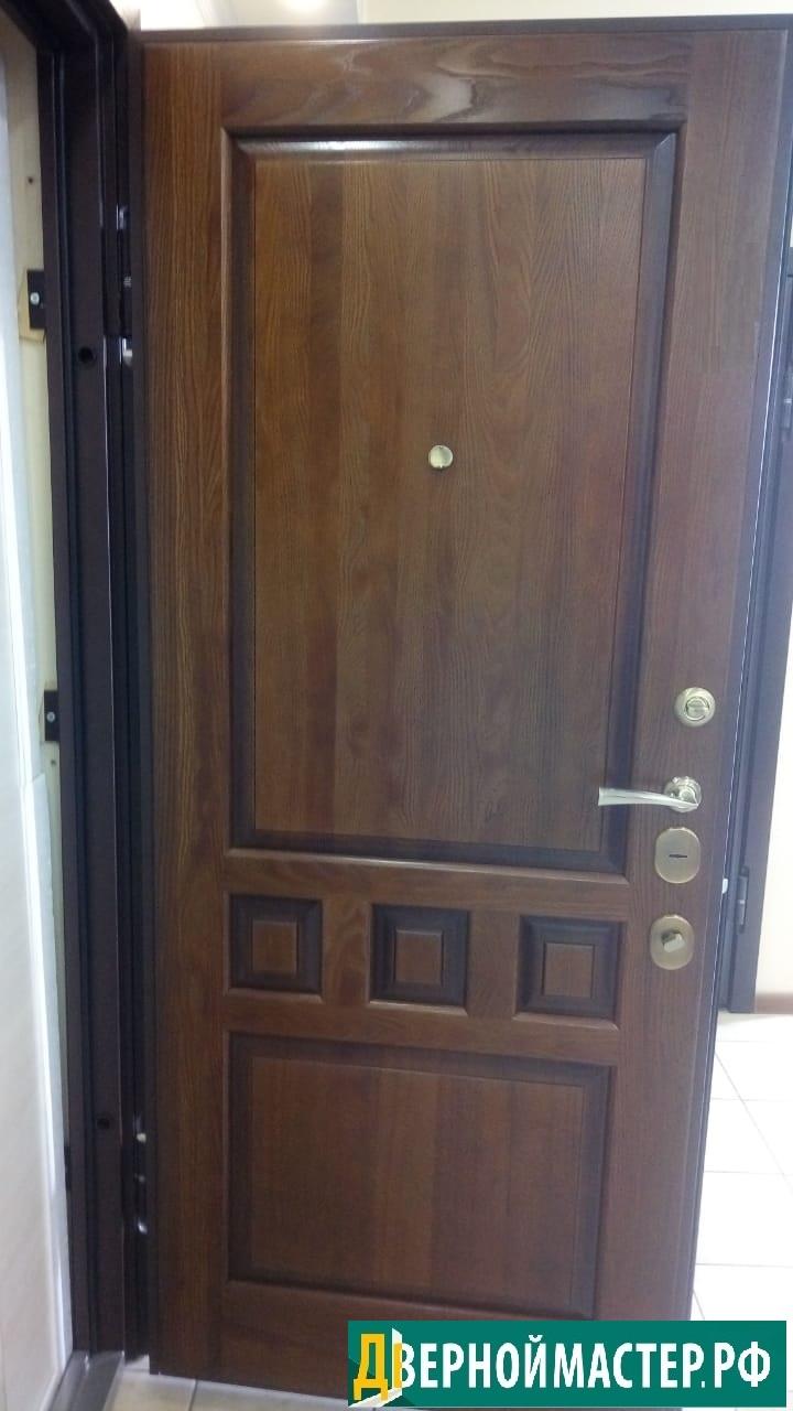 Купить дверь входную в квартиру элитную с отделкой МДФ под лаком, входная металлическая дверь в квартиру элитного качества.
