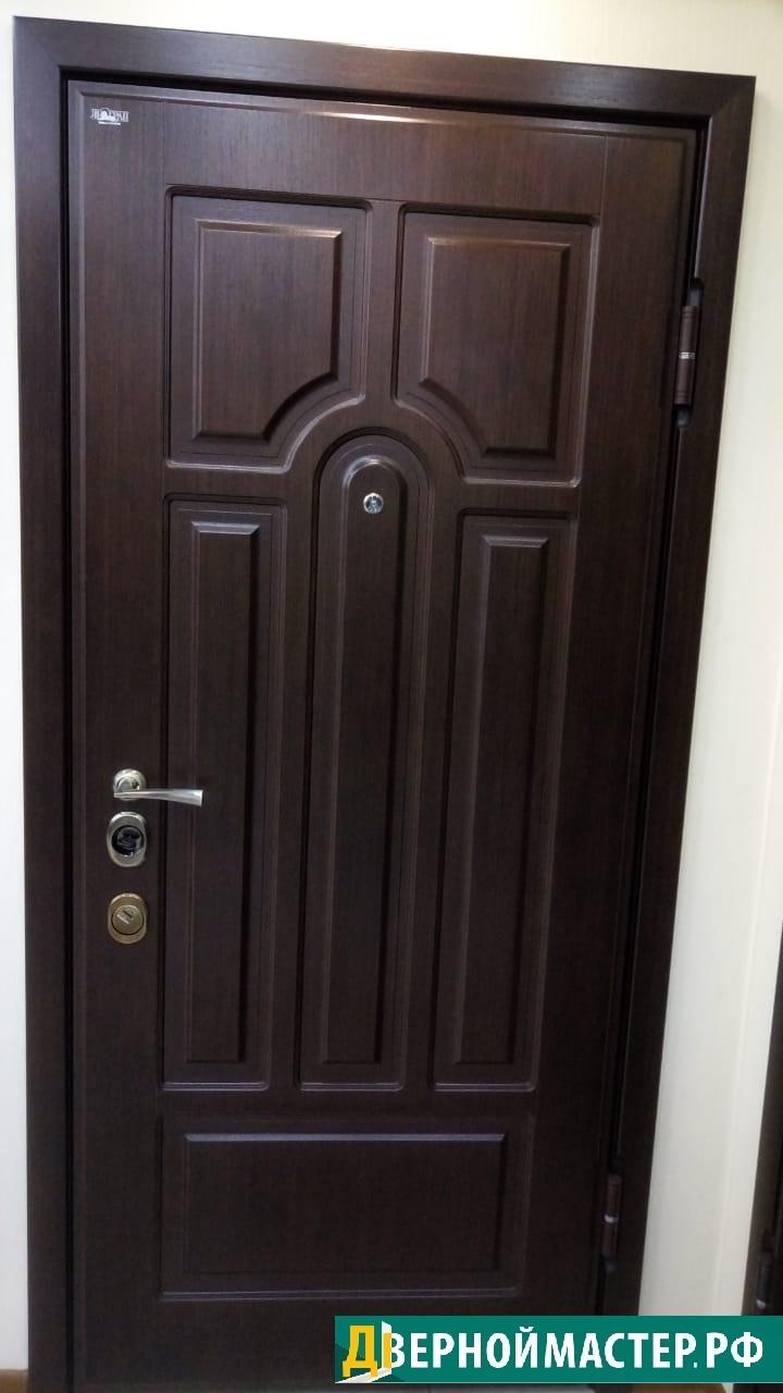 Феленчатые входные двери в квартиру купить в Москве, отделка МДФ