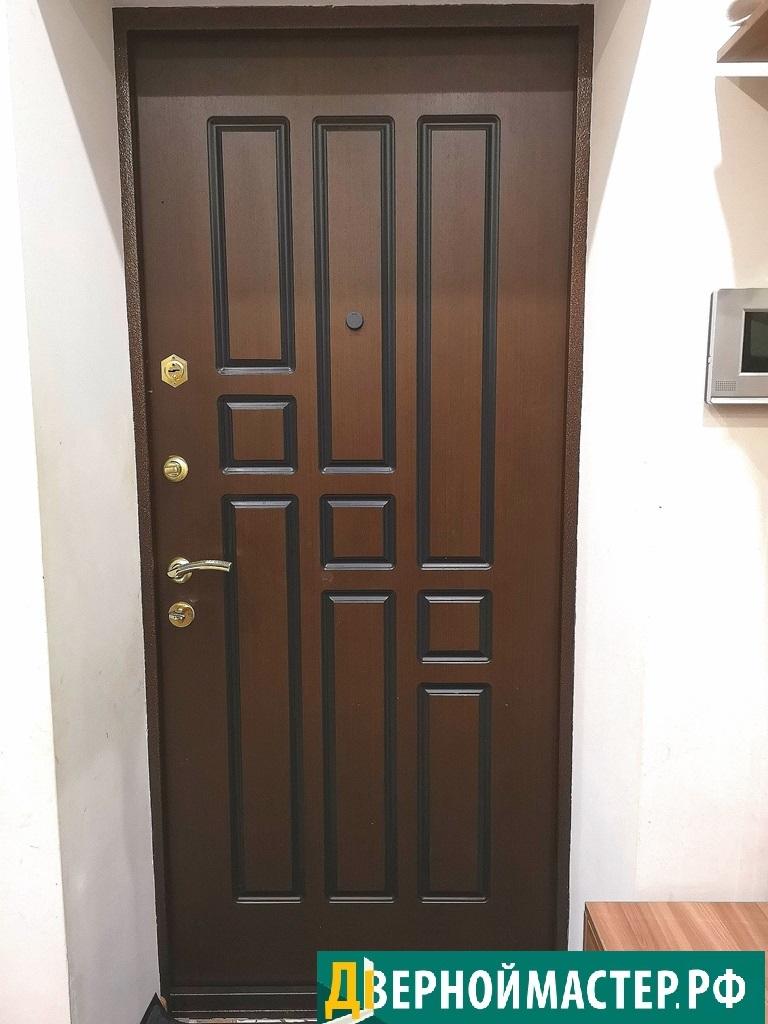 Моя первая теплая входная верь в квартиру, вид изнутри помещения