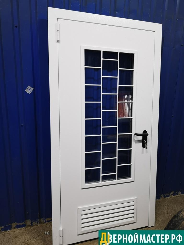 Дверь в котельную с окном и защитной решеткой