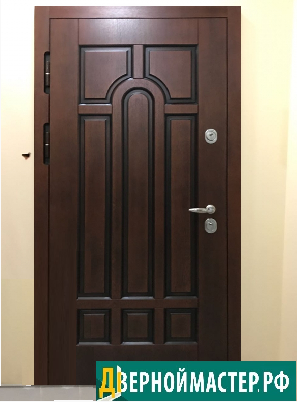 Всеми любимая, самая популярная модель входной двери с МДФ.