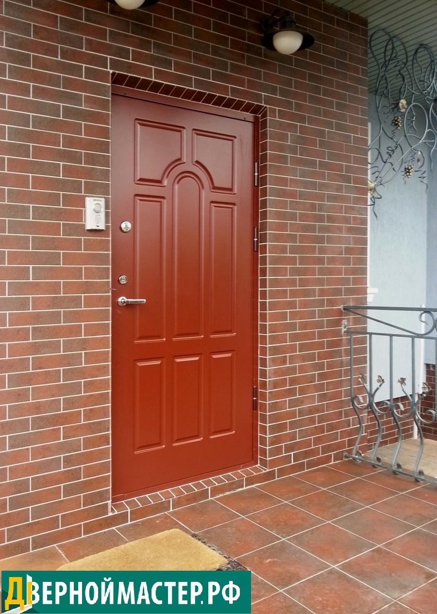 Купленная нашими клиентами в нашей компании металлическая входная дверь МДФ с утеплением, панель окрашена эмалью