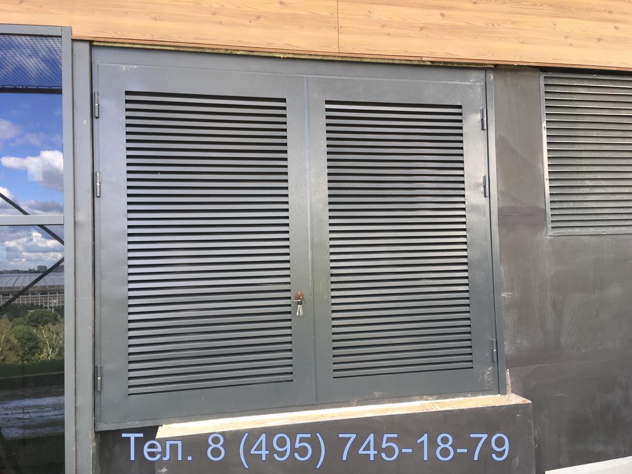 Металлические  трансформаторные ворота с жалюзийными вент решетками максимальной площадью.