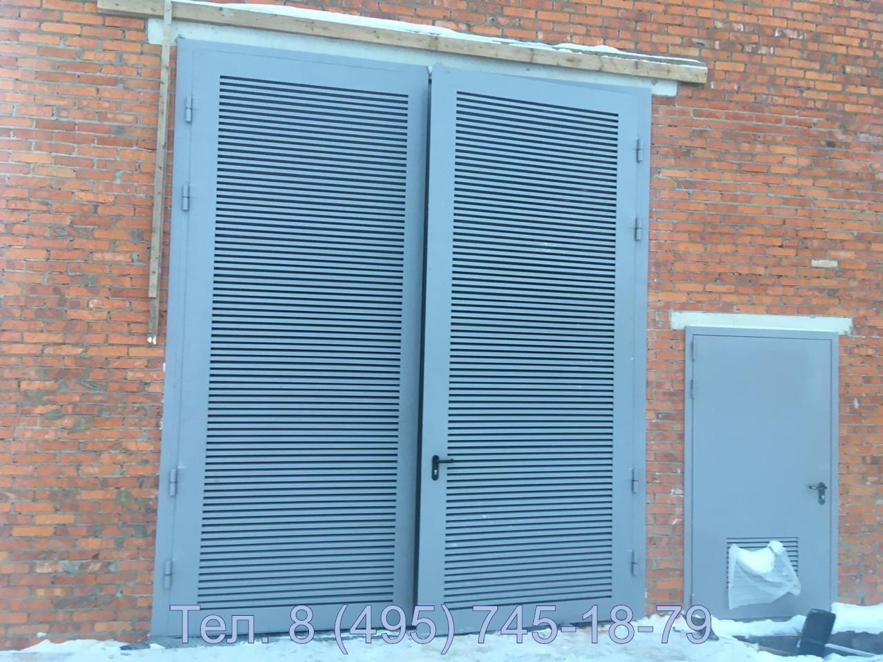 Ворота для трансформаторной подстанции (камер) с дверью и жалюзийными решетками большого размера