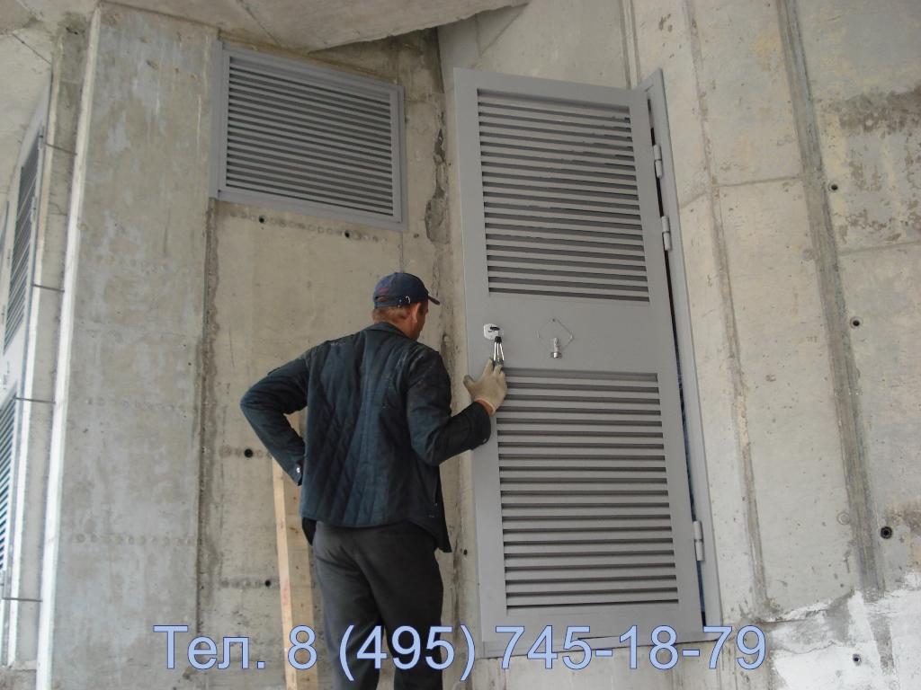 Трансформаторные ворота с жалюзийными решетками, проверка выполненной работы заказчиком